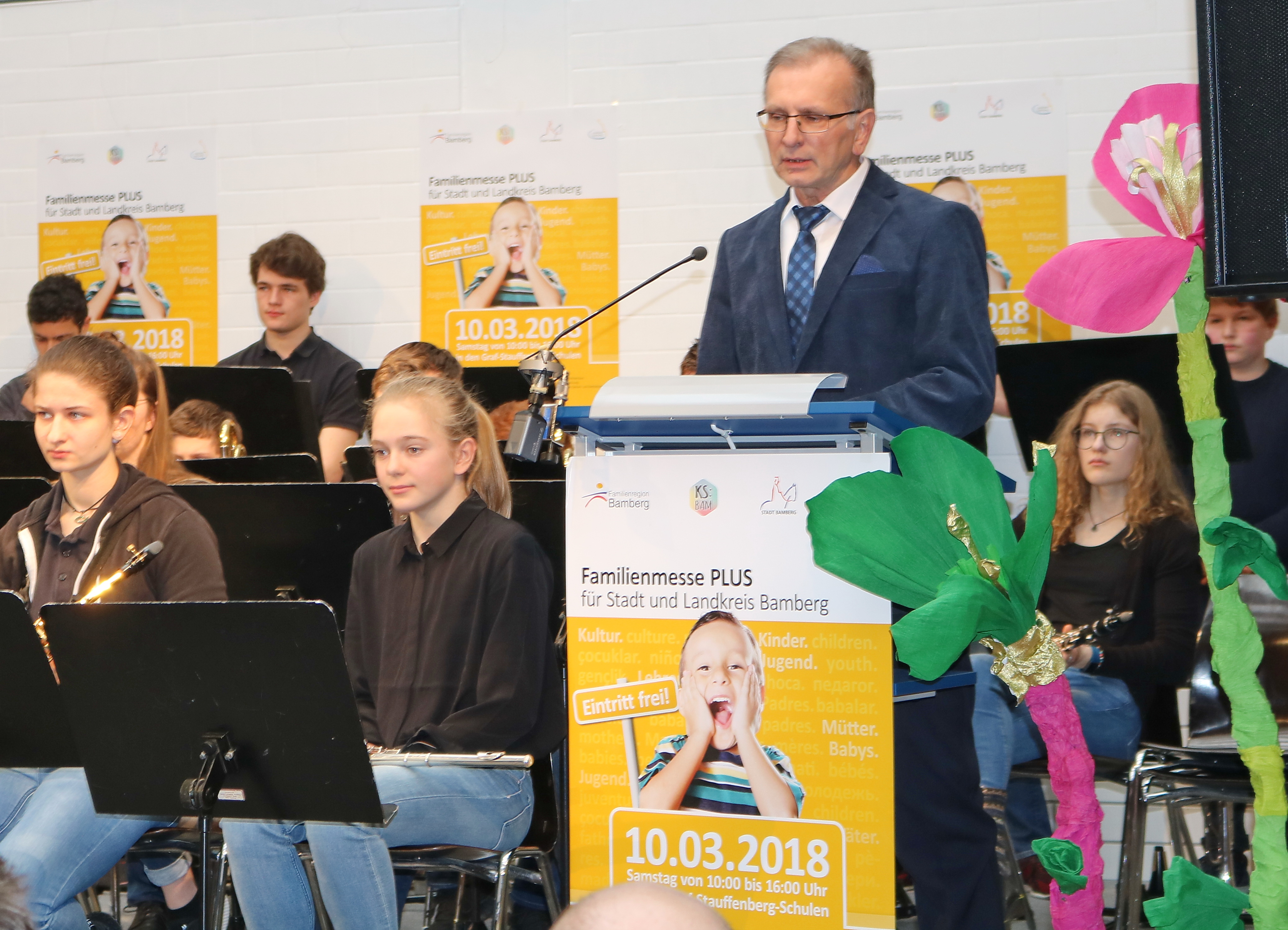 "Bamberger Familienmesse in der ""Blauen Schule"" Image"